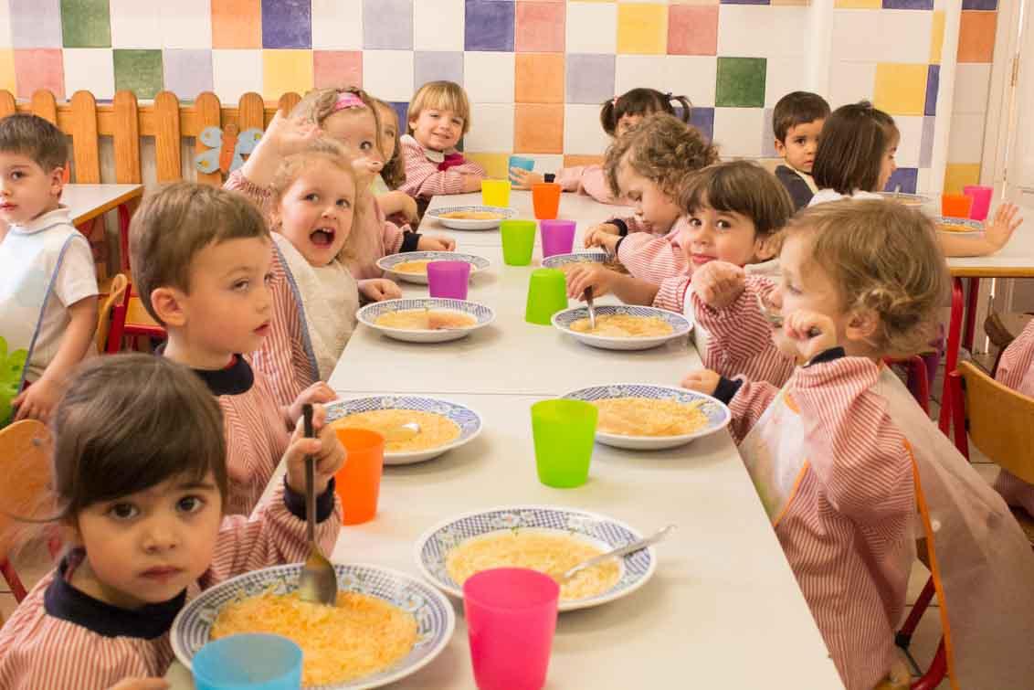 Escuela infantil bambinos comedor y cocina escuela for Proyecto de comedor infantil